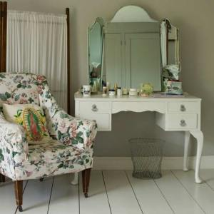livingetc-dresssing-rooms.jpg-shops-french-finds.-farrow-and-ball