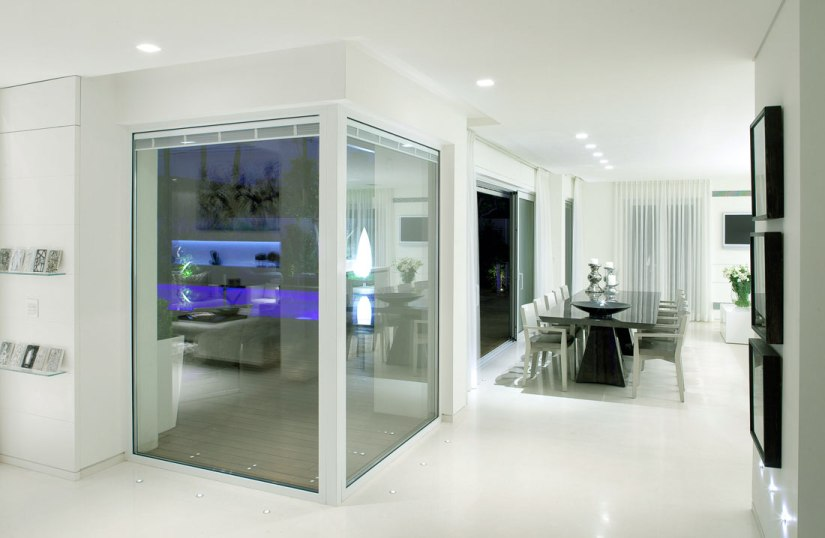 Beautiful-Room-with-Glass-Partition-Panels-Screens-Dividers-Walls