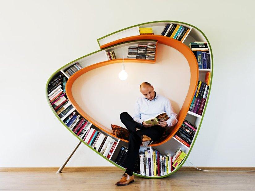 Bookworm-Bookshelf