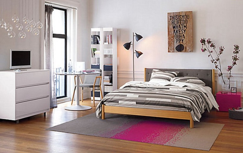 white-wall-wooden-floor-grey-pink-rug-modern-teen-bedroom-915x576