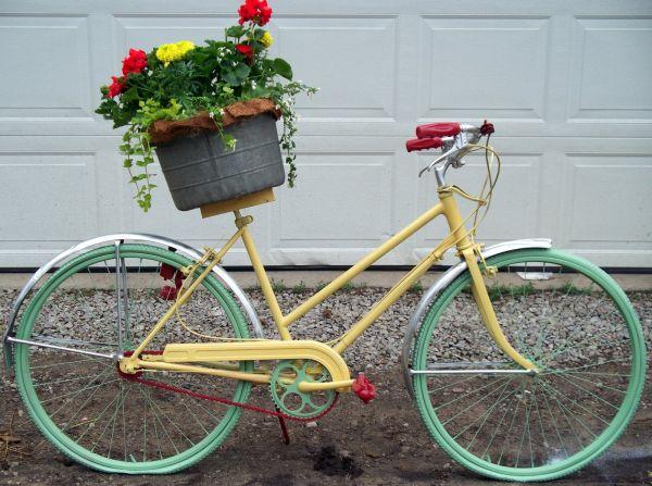 yellow-bike-flowers