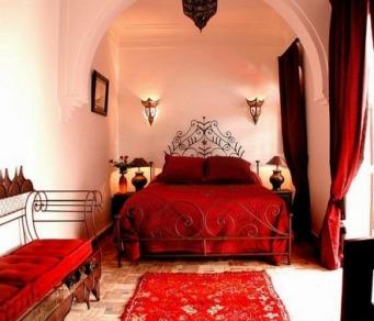 Moroccan-bedroom-design-ideas-red-color