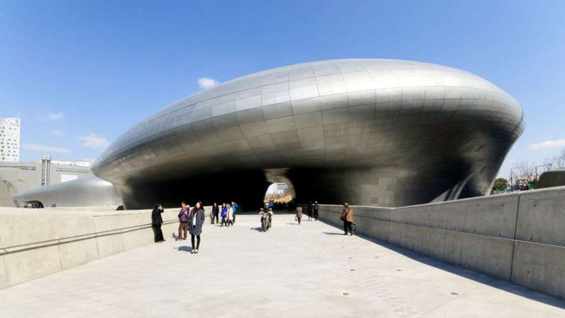 Dongdaemun-Design-Plaza-by-Zaha-Hadid02